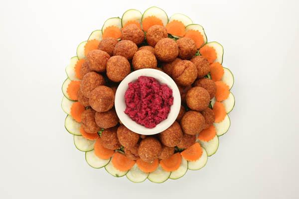 Gefilte-fish-balls-platter