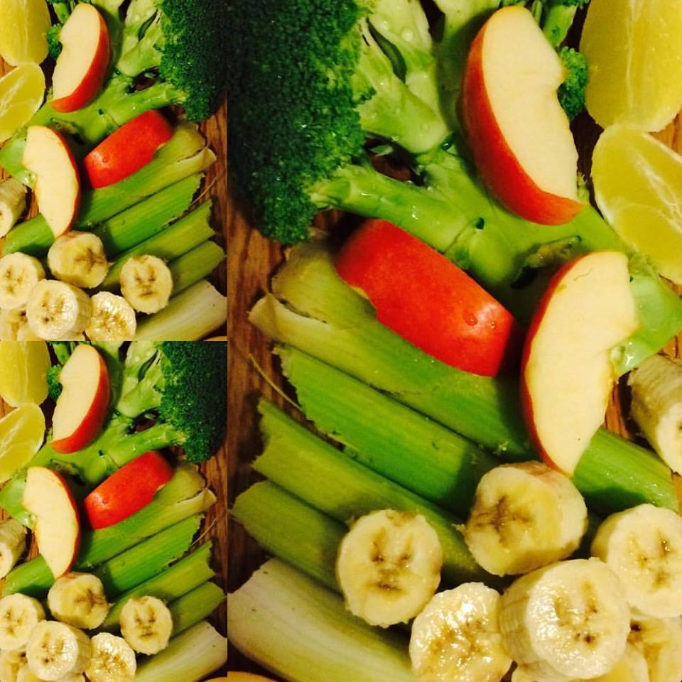 green-smoothie-supper-nut-milk-honey-cinamon