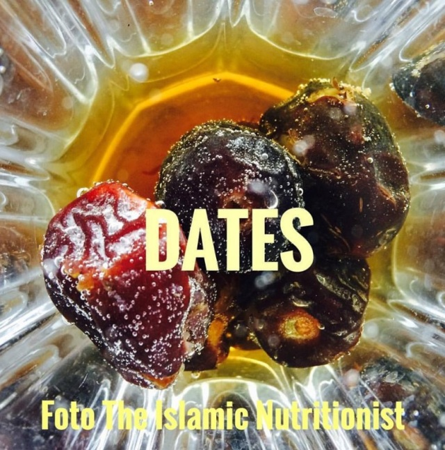 dates in water